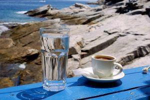 Мастер-класс по масляной живописи «Чашка кофе и море»