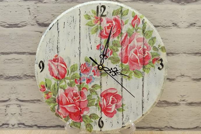 Часы, нежная старина в ХУдожественной школе Пальмира Арт