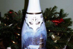 Мастер-класс по декупажу «Декорирование новогодней бутылки шампанского»